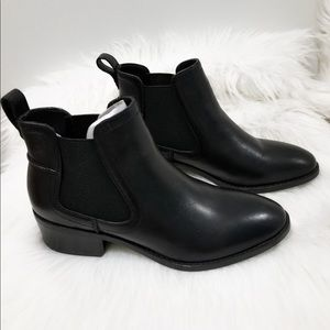Steve Madden Dicey boots 5.5